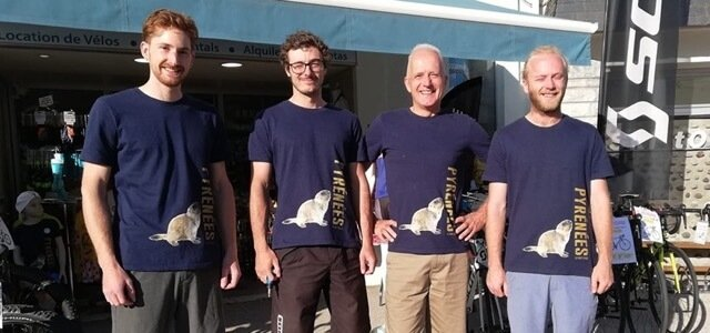 Employees of Ardiden Velos with their best marmotte t-shirt